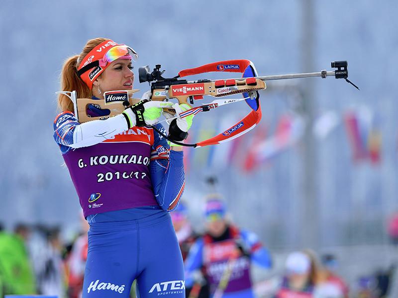 Чешская биатлонистка Габриэла Коукалова стала победительницей женской спринтерской гонки на чемпионате мира в австрийском Хохфильцене.  Победительница преодолела дистанцию 7,5 км за 19 минут 12,6 секунды, не допустив на двух огневых рубежах ни одного промаха
