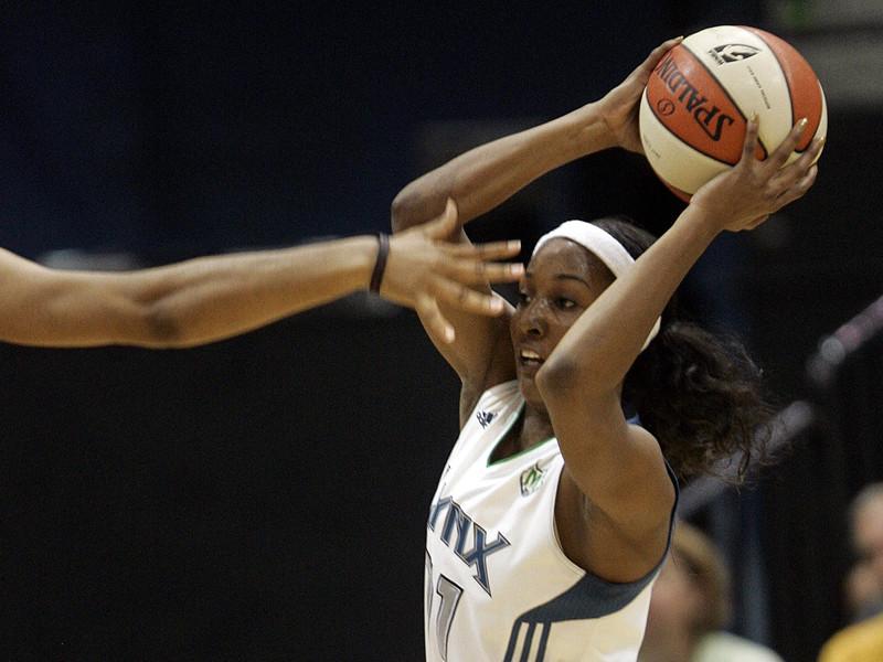 Бывшая представительница Женской баскетбольной ассоциации (WNBA) Кэндайс Уиггинс объяснила в интервью The San Diego Union-Tribune, что ей пришлось завершить карьеру в 29 лет из-за травли со стороны гомосексуальных коллег