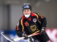 60-летний игрок сборной Германии по хоккею с мячом не спешит завершать карьеру