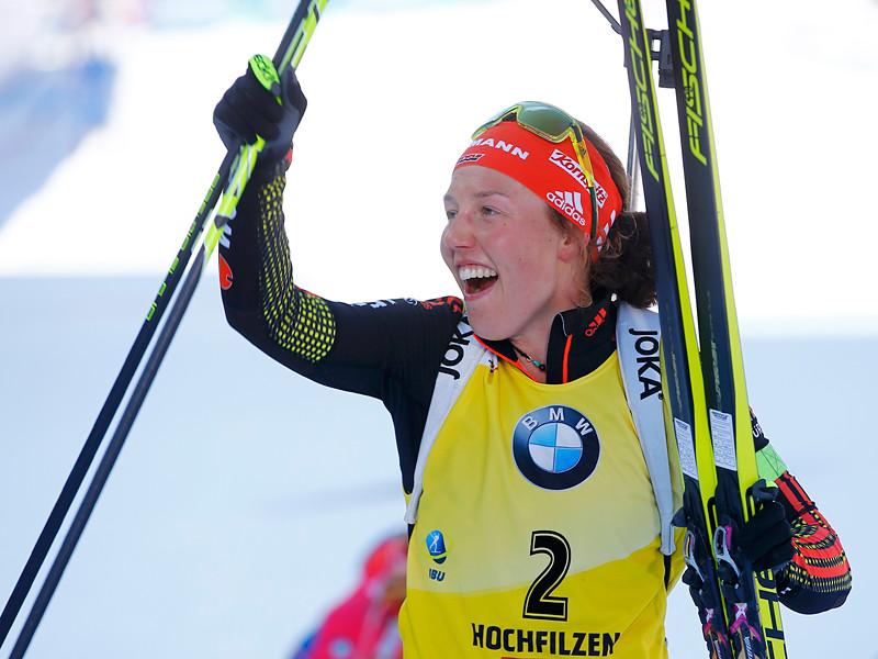Немецкая биатлонистка Лаура Дальмайер победила в масс-старте на чемпионате мира, который проходит в австрийском Хохфильцене