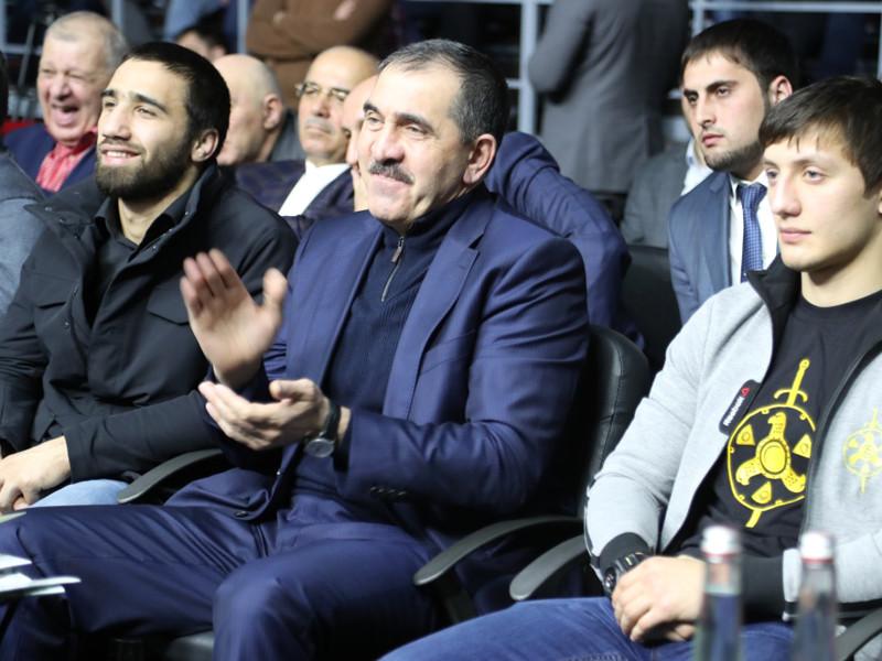 Евкуров остановил побоище между ингушами и дагестанцами на бойцовском турнире