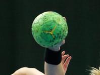 Юная гандболистка во время матча специально наступила на голову сопернице