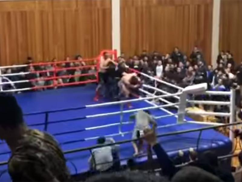 Массовая драка состоялась во время одного из боев на открытом чемпионате Дагестана по смешанным единоборствам