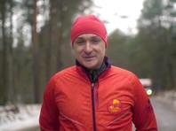 Энтузиаст, побежавший из Москвы в Пекин, переоделся в калоши из-за грязи на дорогах