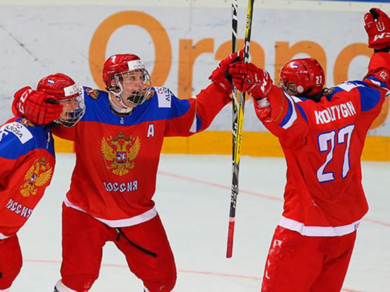 Хоккеисты юношеской сборной России завоевали путевку в полуфинал чемпионата мира среди игроков не старше 18 лет, который проходит в эти дни в словацком Попраде