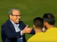 В Тунисе пожизненно дисквалифицировали президента клуба, поцеловавшего судью (ВИДЕО)