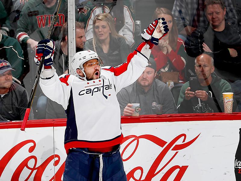 Овечкин, собравшийся на Олимпиаду, обошел по очкам в НХЛ Могильного