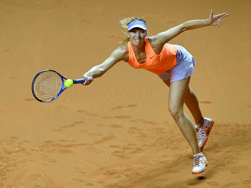 Мария Шарапова не смогла одолеть Кристину Младенович в полуфинале турнира WTA в Штутгарте, призовой фонд которого составляет более 700 тысяч долларов