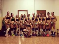 Итальянские волейболистки сняли с себя трусы после победы в чемпионате