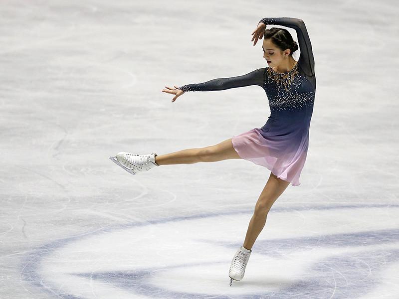 Российская фигуристка Евгения Медведева на командном чемпионате мира в Токио установила мировой рекорд по набранным баллам в короткой и произвольной программах, а также по их сумме