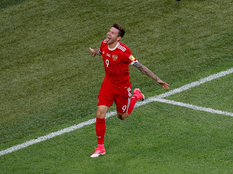 Нападающий сборной России по футболу Федор Смолов возглавляет список футболистов, чаще всех бивших по воротам соперников в матчах Кубка конфедераций-2017