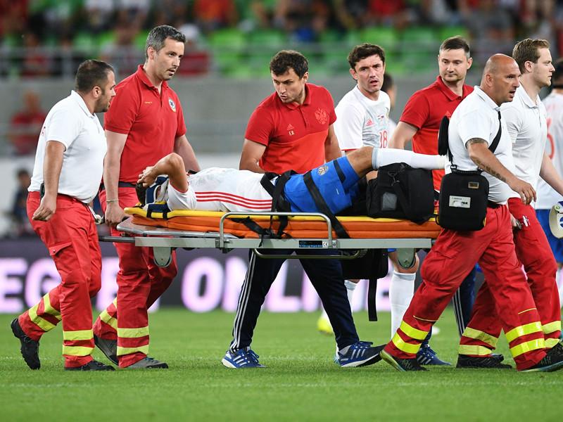 5 июня Зобнин получил травму связок колена в товарищеском матче сборной России против команды Венгрии (3:0). На восстановление спортсмену понадобится около полугода