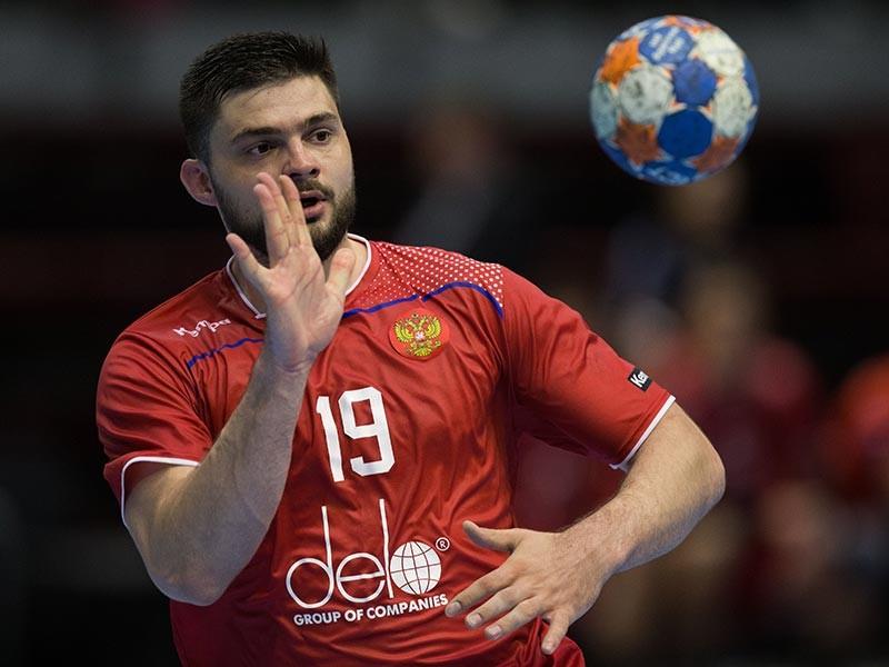 В заключительном матче квалификационного раунда чемпионата Европы по гандболу 2018 года сборная России сыграла вничью с Черногорией 27:27. Россияне заняли в своей группе третье место и впервые в истории не вышли в финальную часть европейского первенства