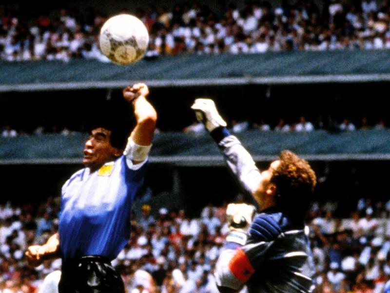 Ушел из жизни линейный арбитр из Болгарии Богдан Дочев, который известен тем, что не заметил игру рукой у легендарного аргентинца Диего Марадоны в четвертьфинальном матче чемпионата мира 1986 года по футболу со сборной Англии