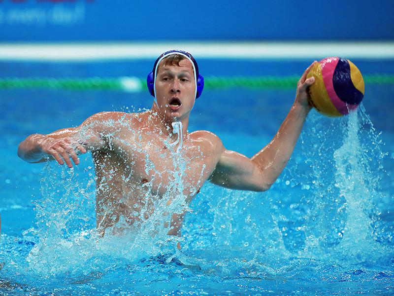 Мужская сборная России уступила команде США со счетом 6:8 в четвертьфинальном матче суперфинала Мировой лиги по водному поло, который проходит в подмосковной Рузе