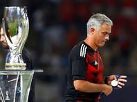 """Тренер """"Манчестер Юнайтед"""" после поражения от """"Реала"""" отдал медаль юному болельщику клуба (ВИДЕО)"""