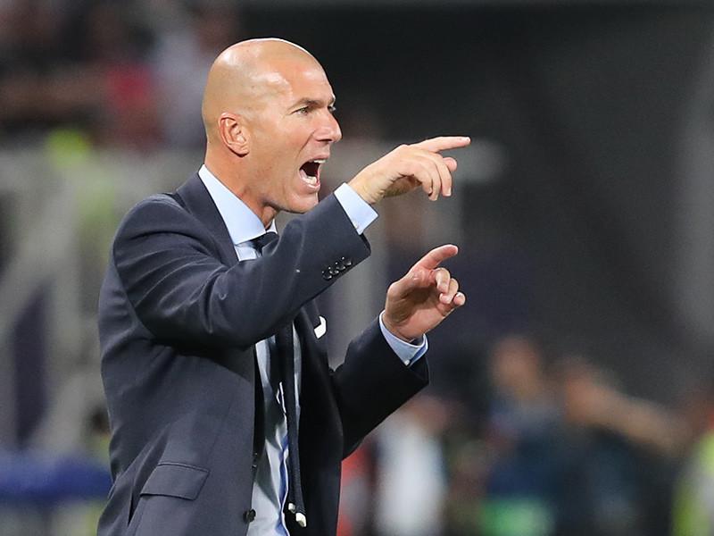 """Зидан останется в """"Реале"""" еще на три года, зарплату тренеру увеличили почти в два раза"""