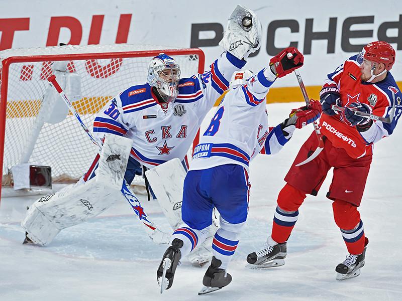 Хоккеисты петербургского СКА добились гостевой победы над московским ЦСКА в матче очередного тура регулярного чемпионата Континентальной хоккейной лиги (КХЛ). Матч обновил рекорд посещаемости домашних игр ЦСКА в нынешнем сезоне - на трибунах собрались 5307 зрителей