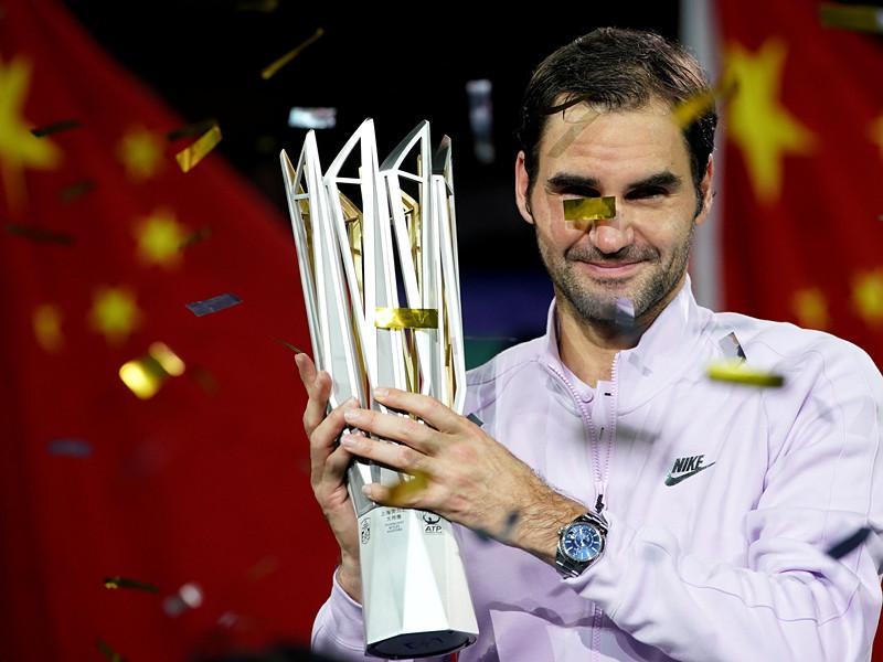 """Швейцарский теннисист Роджер Федерер стал победителем престижного турнира серии """"Мастерс"""" в Шанхае (призовой фонд почти 6 миллионов долларов)"""