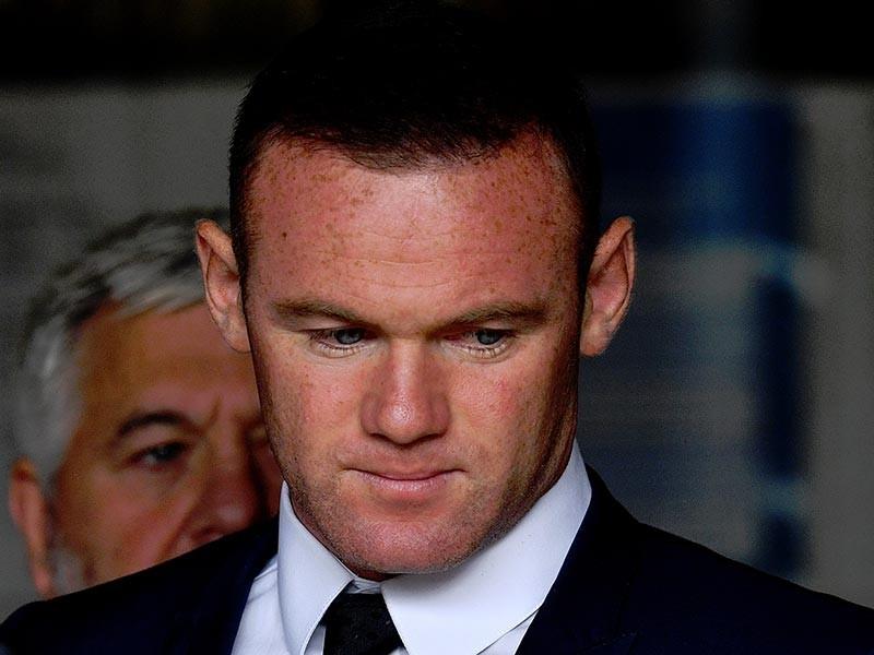 Знаменитый британский футболист Уэйн Руни начал отрабатывать 100 часов обязательных работ, назначенных судом за езду в нетрезвом виде