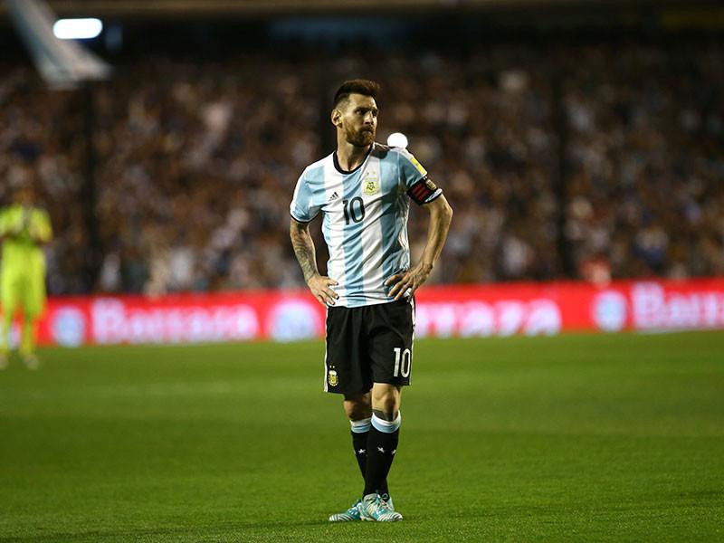 Сборная Аргентины по футболу вновь потеряла очки в отборочном турнире чемпионата мира 2018 года и до предела осложнила себе задачу попадания в финальную стадию мундиаля