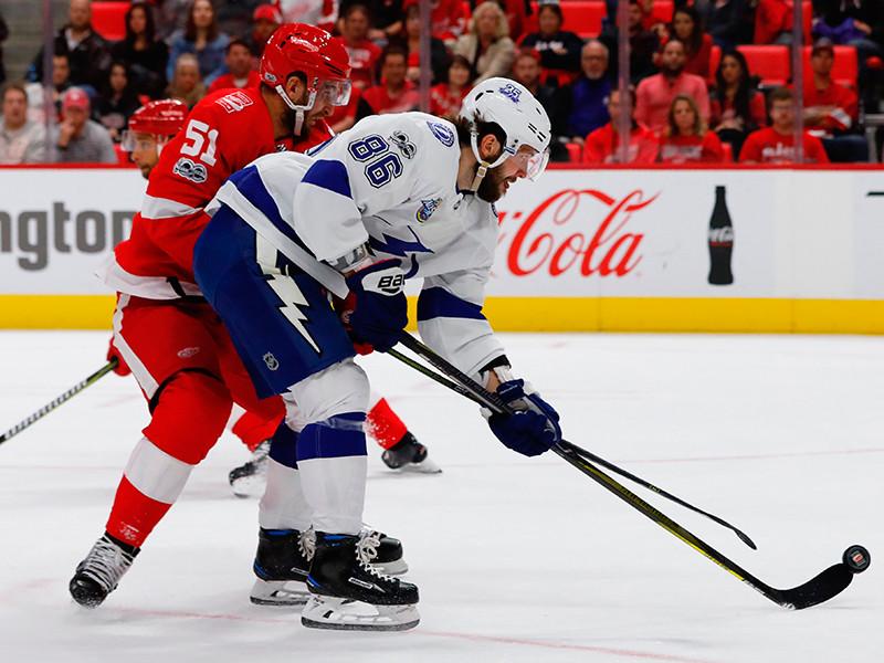 Никита Кучеров продлил стартовую голевую серию в НХЛ до семи матчей