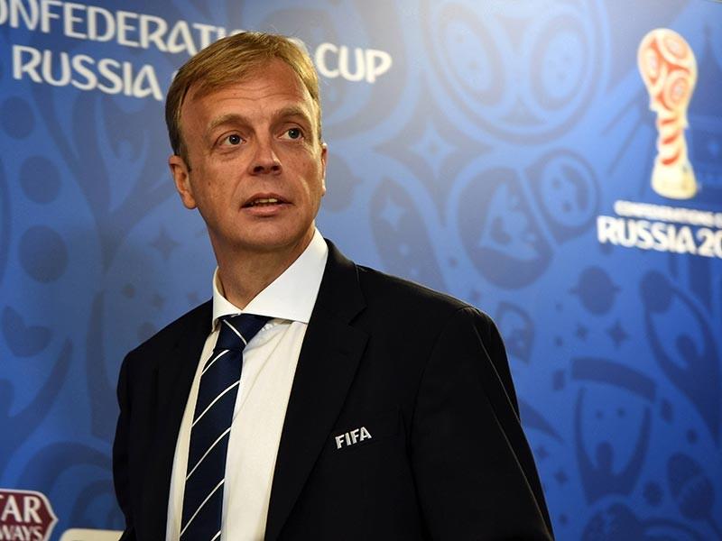 Подготовку России к проведению чемпионата мира по футболу в 2018 году в Международной федерации футбола оценивают положительно. Об этом заявил журналистам в четверг директор департамента ФИФА по проведению соревнований и мероприятий Колин Смит