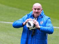 Тренер сборной РФ отказался объяснять, почему игнорирует одного из ведущих футболистов