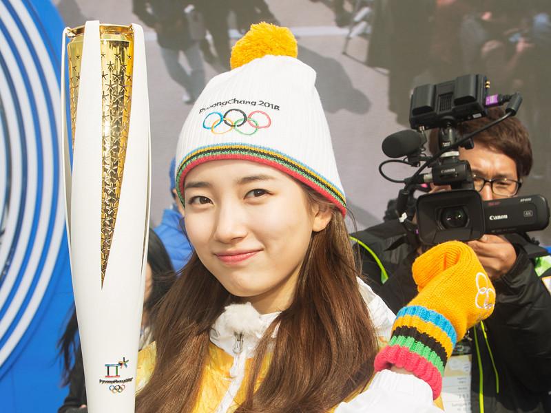 Российские федеральные телеканалы могут отказаться от трансляции соревнований зимних Олимпийских игр 2018 года в корейском Пхенчхане в случае неучастия в этих соревнованиях делегации РФ