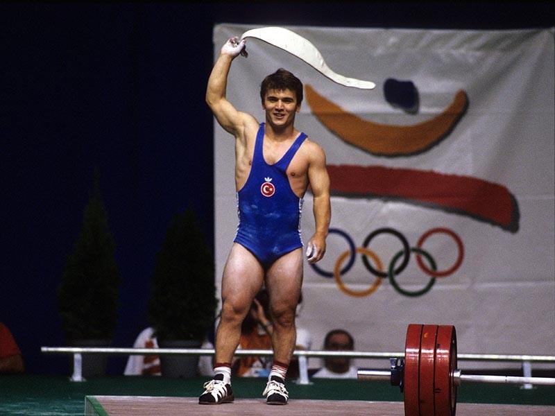 Трехкратный олимпийский чемпион по тяжелой атлетике Наим Сулейманоглу скончался в возрасте 50 лет