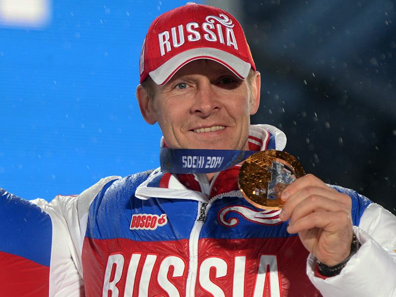Международный олимпийский комитет (МОК) из-за нарушения антидопинговых правил лишил российского бобслеиста Александра Зубкова двух золотых медалей, завоеванных на домашней Олимпиаде 2014 года в Сочи, и пожизненно отстранил его от участия в Играх