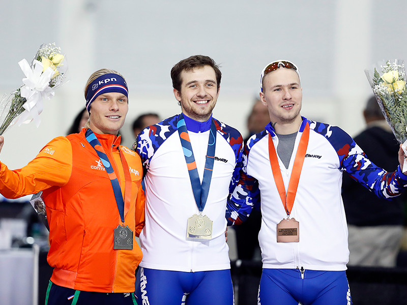 Россиянин Денис Юсков занял первое место на дистанции 1000 м на четвертом этапе Кубка мира по конькобежному спорту в американском Солт-Лейк-Сити