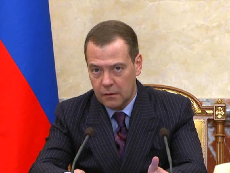 Медведев: Власти приняли национальный план по борьбе с допингом в спорте