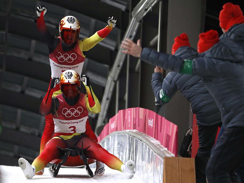 Немцы Тобиас Вендль и Тобиас Арльт первенствовали в олимпийском турнире по санному спорту в состязаниях двоек в южнокорейском Пхенчхане