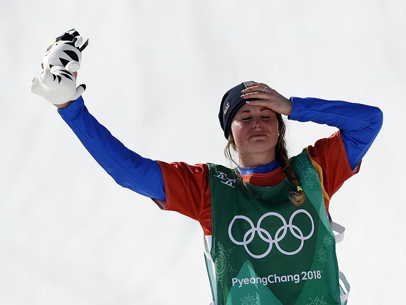 Итальянка Микела Мойоли первенствовала в олимпийских состязаниях сноубордисток на Олимпиаде в корейском Пхенчхане в дисциплине сноуборд-кросс