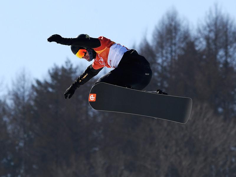 Российский спортсмен Николай Олюнин в квалификации соревнований по сноуборду среди мужчин в дисциплине сноуборд-кросс на XXIII зимних Олимпийских играх в Пхенчхане