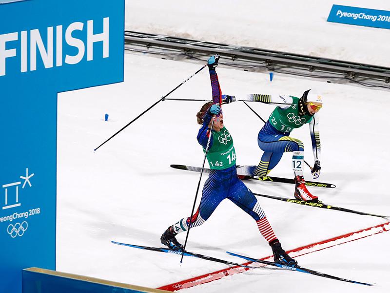 Представительницы Соединенных Штатов Америки Джессика Диггинс и Киккан Рэндалл первенствовали в олимпийских состязаниях по лыжным гонкам в дисциплине командный спринт