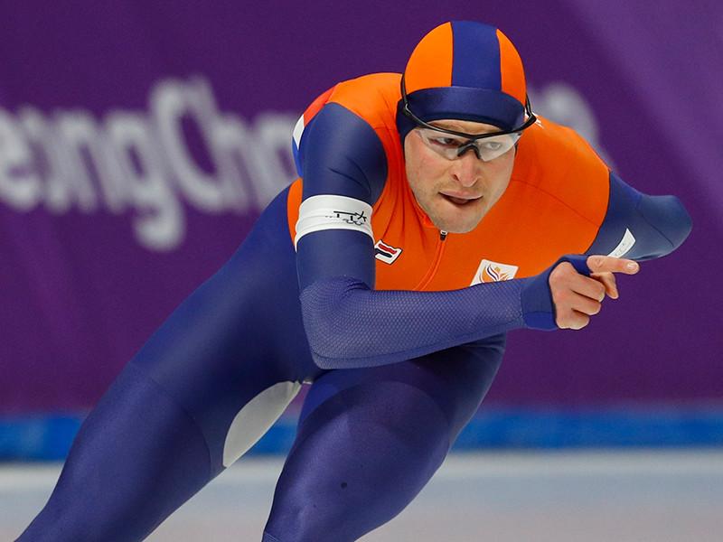 Свен Крамер победил на дистанции 5000 метров, став рекордсменом олимпийского конькобежного спорта