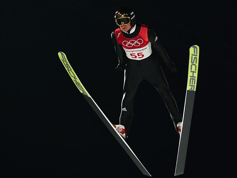 Немец Андреас Веллингер, показав результат 259,3 балла, выиграл золотую медаль в прыжках на лыжах со среднего трамплина на Олимпиаде в Пхенчхане