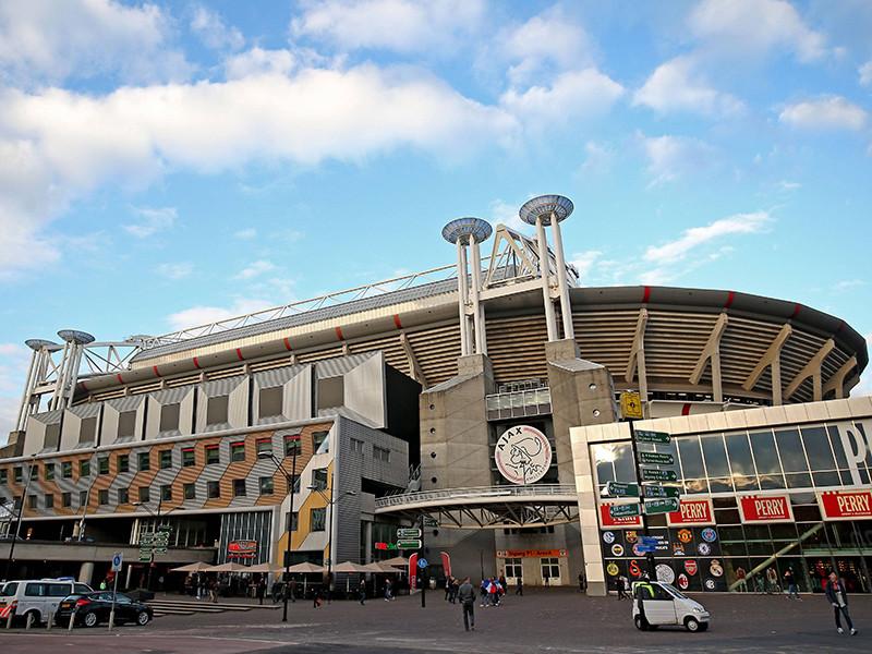 """Стадион """"Амстердам Арена"""", на котором проводит домашние матчи голландский клуб """"Аякс"""", со следующего сезона будет носить имя легендарного игрока и тренера, одного из лучших футболистов XX века Йохана Кройфа"""
