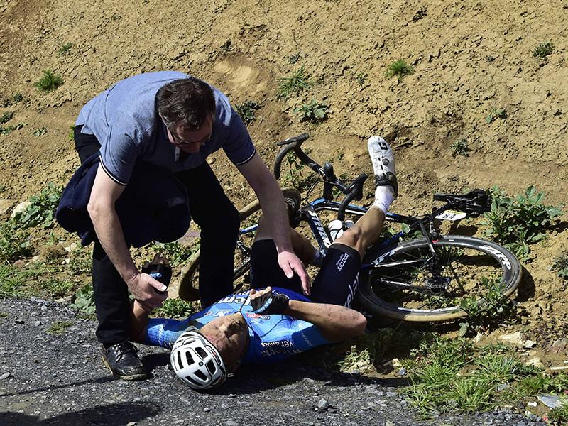 """Бельгийский велогонщик Михел Голартс скончался в больнице от тяжелых травм, полученных в воскресенье в результате падения в ходе велогонки """"Париж-Рубе"""""""