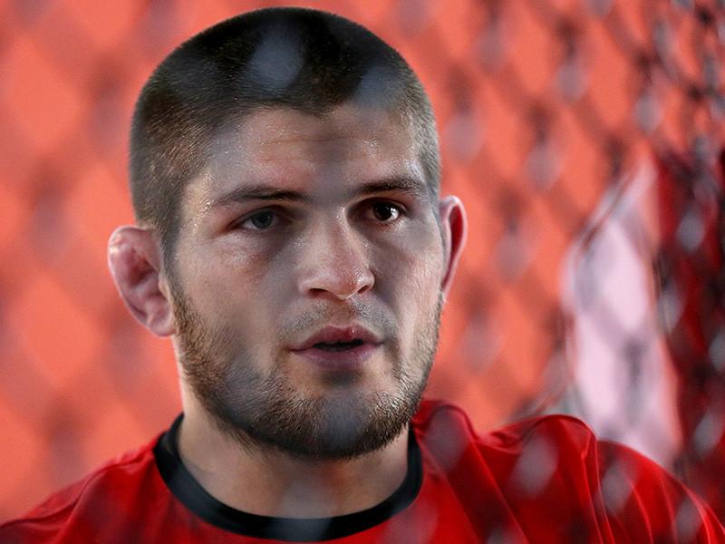Титульный поединок Абсолютного бойцовского чемпионата (UFC) между российским бойцом смешанного стиля Хабибом Нурмагомедовым и Тони Фергюсоном в легком весе не состоится из-за травмы американца