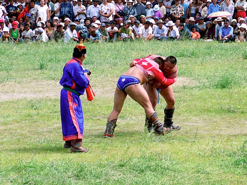 На Кубке мира по вольной борьбе недопущенных в США россиян заменят монголами