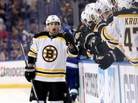 """Хоккеист """"Бостона"""" продолжает лизать соперников, игнорируя просьбу НХЛ (ВИДЕО)"""