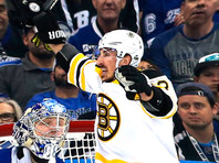 НХЛ пригрозила наказанием хоккеисту Брэду Маршанду, который лижет соперников