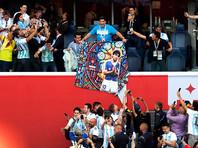 Международная федерация футбола прекратила сотрудничество с Диего Марадоной в связи с его поведением на чемпионате мира в России