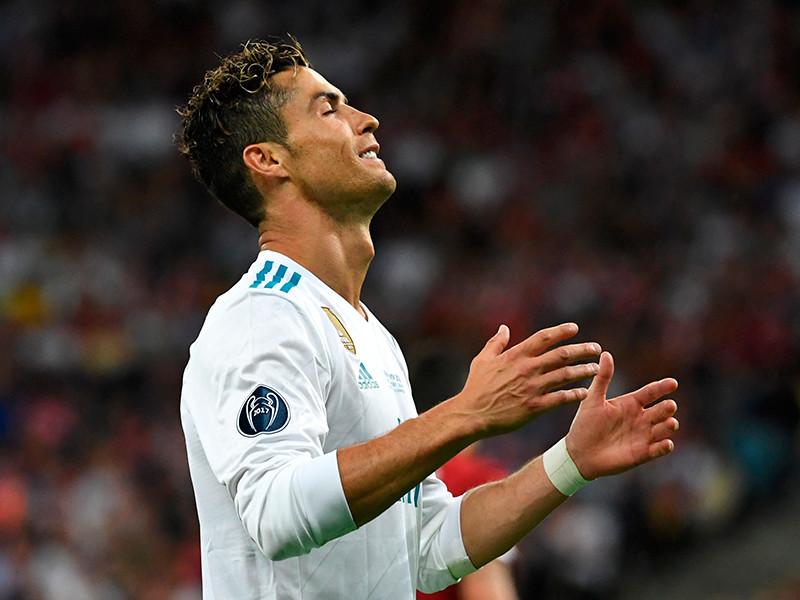 """Роналду договорился с налоговиками и требует повышения зарплаты в """"Реале"""""""