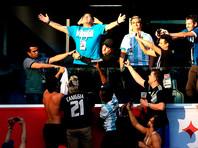 Марадона наблюдал за матчем из VIP-ложи стадиона на Крестовском острове, и во время телетрансляции камеры неоднократно показывали его бурные эмоции и реакцию на происходящее