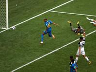 На восьмой минуте из числа добавленных свой первый гол на мундиале забил Неймар