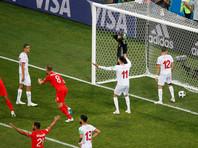 На фото: Харри Кейн забивает победный гол в ворота сборной Туниса